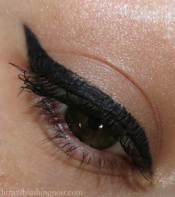 Benefit They're Real! Push-Up Liner Swatches Eye Look