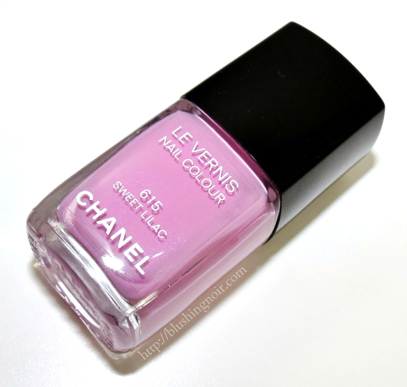 Chanel Sweet Lilac Le Vernis Nail Polish Review