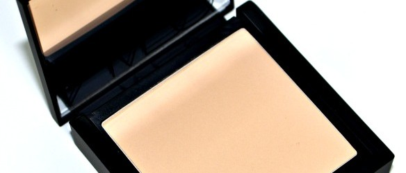 NARS Deauville All Day Luminous Powder Foundation Review