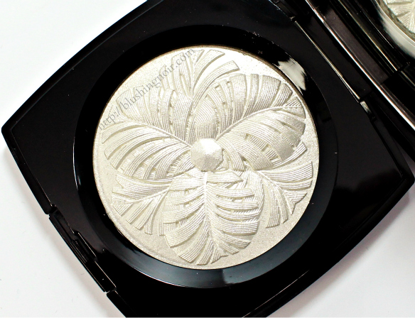 Favorite Highlighter of 2014 // Chanel Camelia de Plumes