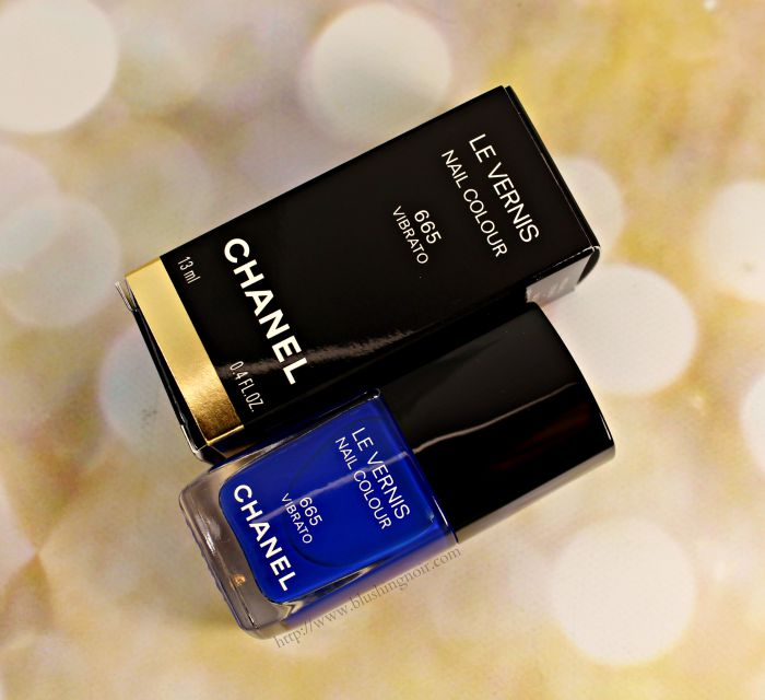 Chanel Vibrato Le Vernis Nail Polish Swatches + Review // Blue Rhythm de Chanel
